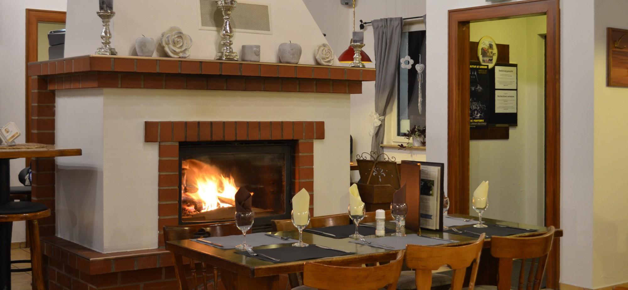Restaurant-Schmuggelbud-Überherrn-Winter-Kamin