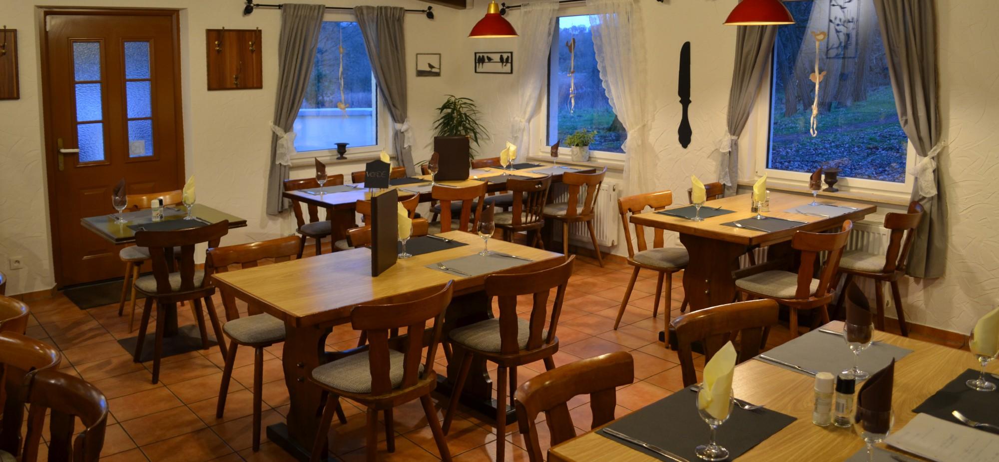 Restaurant-Schmuggelbud-Überherrn-Nebenraum-Gesellschaft