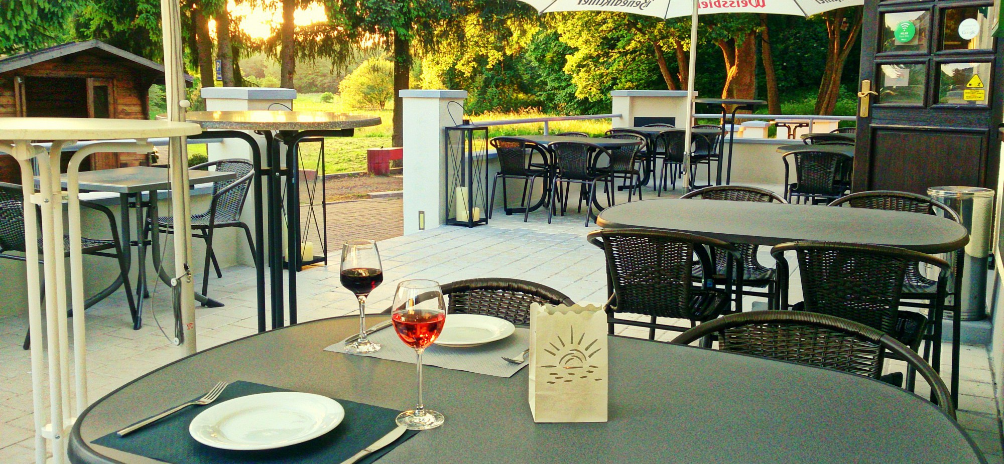 Restaurant-Schmuggelbud-Überherrn-Sommer-Terrasse